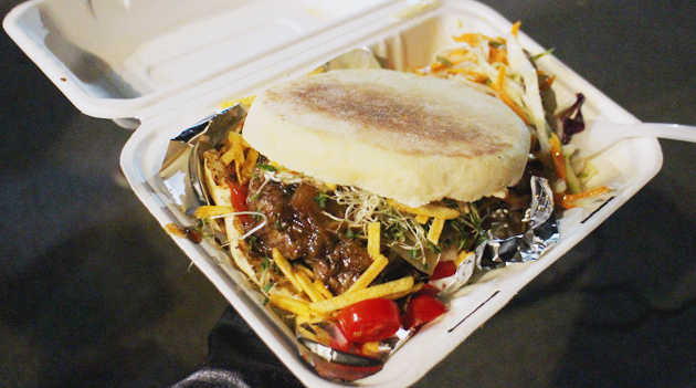 Novemburger Hamilton: Jonny Blonde - Blonde Boca Burger